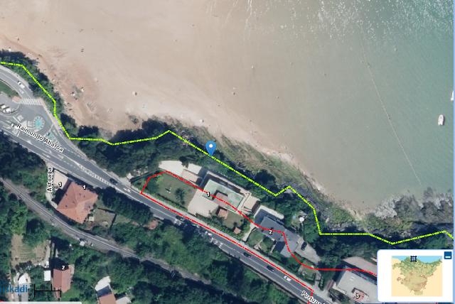 Deslinde de la linea de costa en verde y, en rojo, la servidumbre de protección