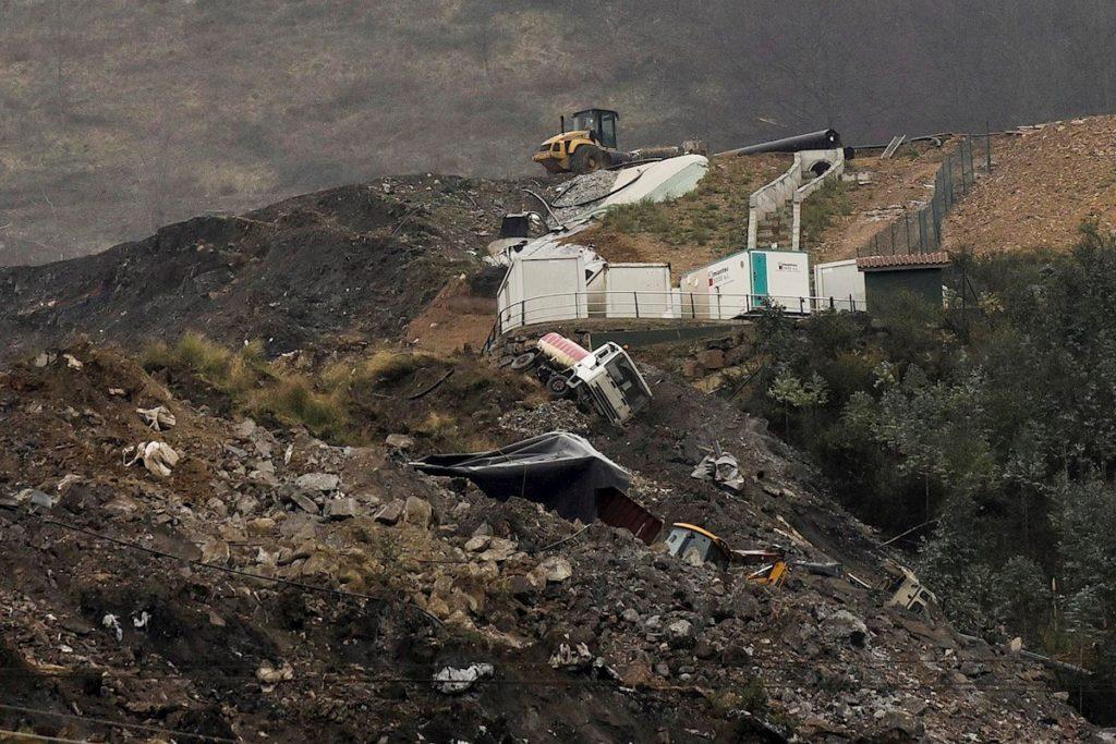 Vertedero de Zaldibar derrumbado donde han desaparecido dos trabajadores.